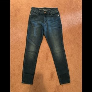 Old Navy super skinny mid rise size 4